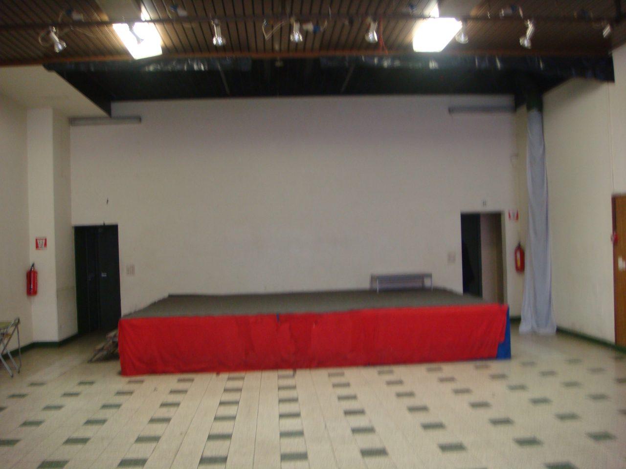 podium-salle-principale