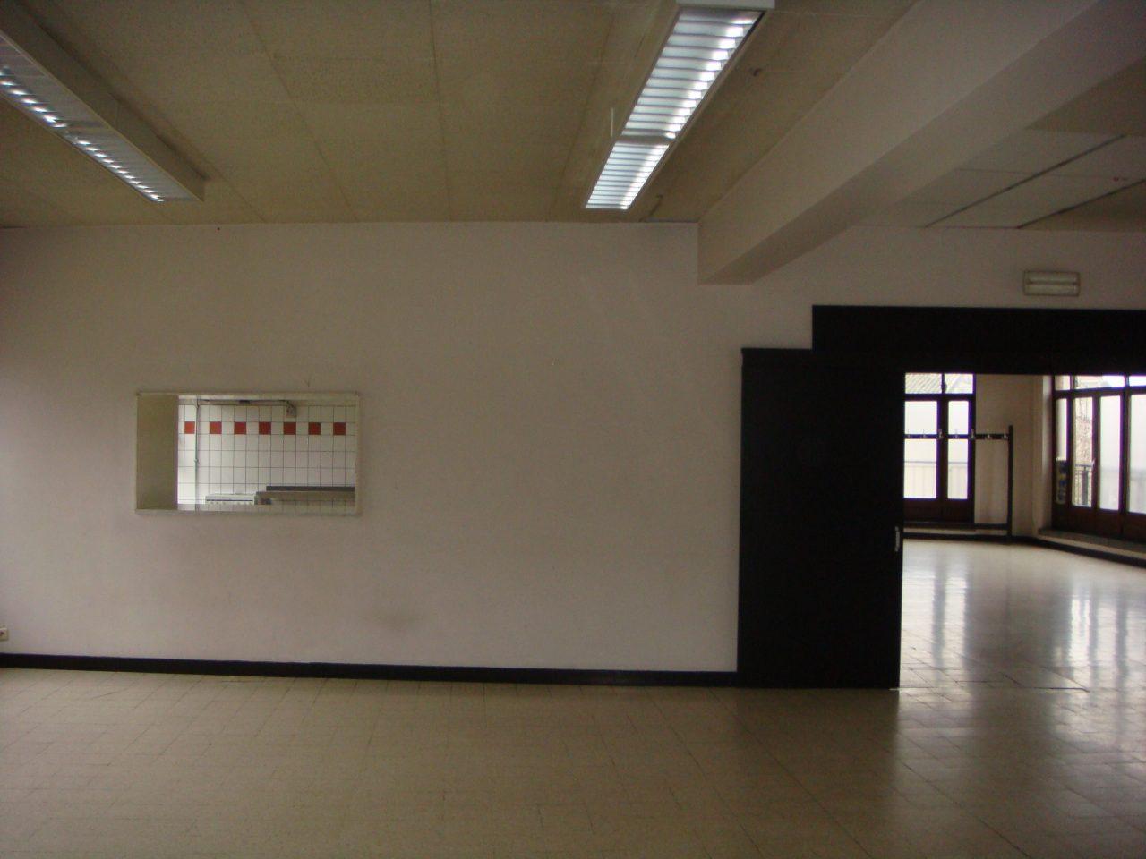 vue-2eme-salle-ouverture-cuisine